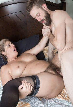 Only horny matures free videos with hot moms, mature jpg 300x438